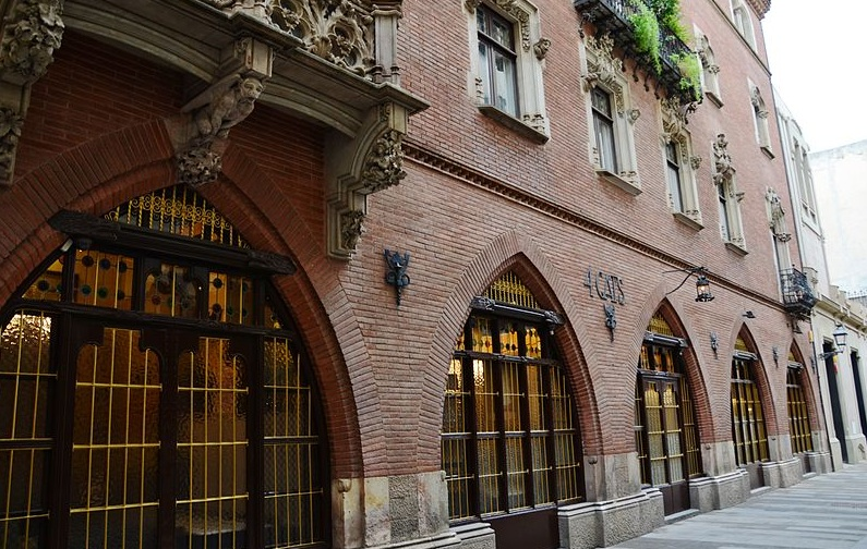 Restaurant Gats Barcelona : Els quatre gats restaurant in barcelona